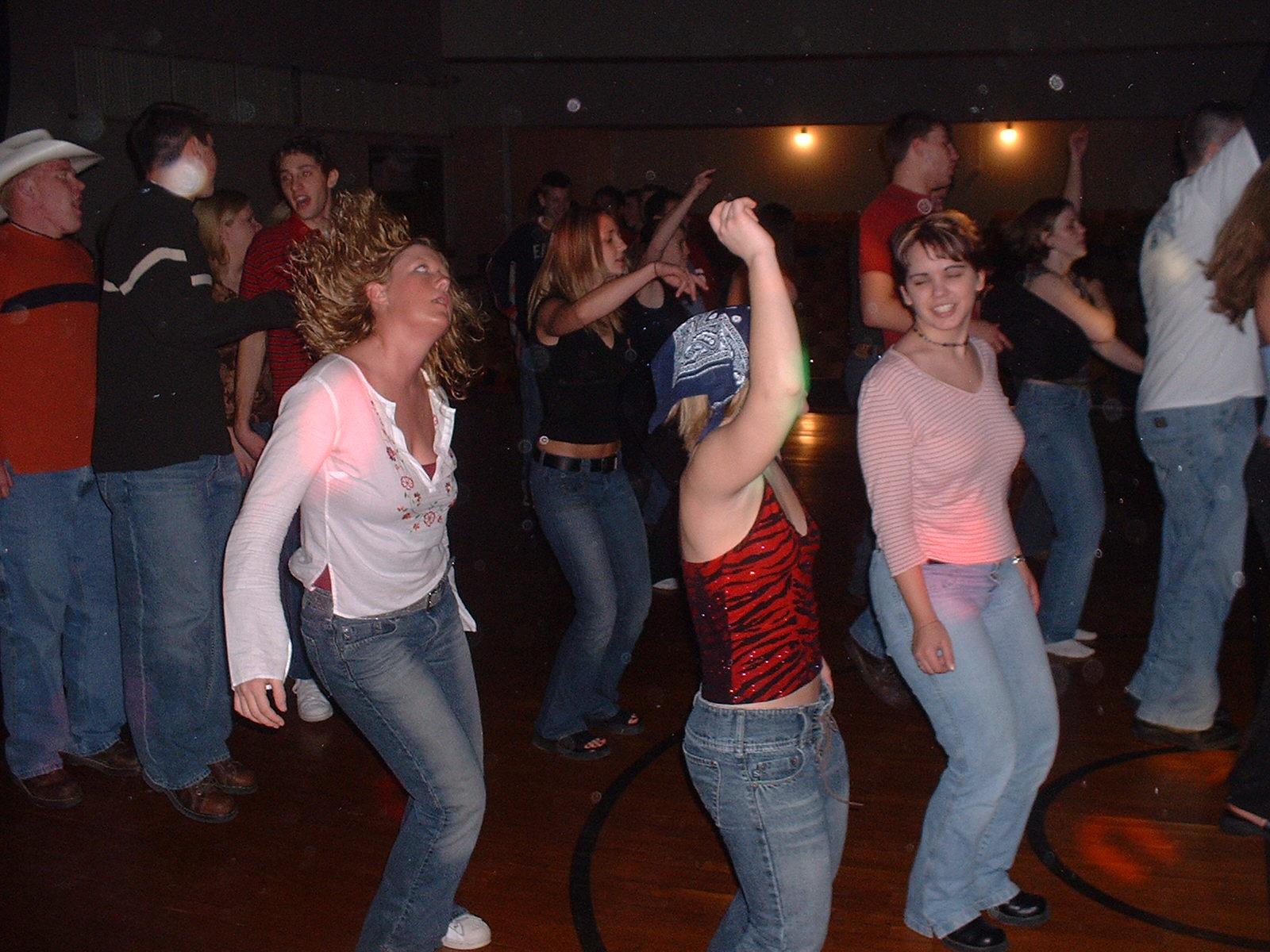 schooldance4.jpg